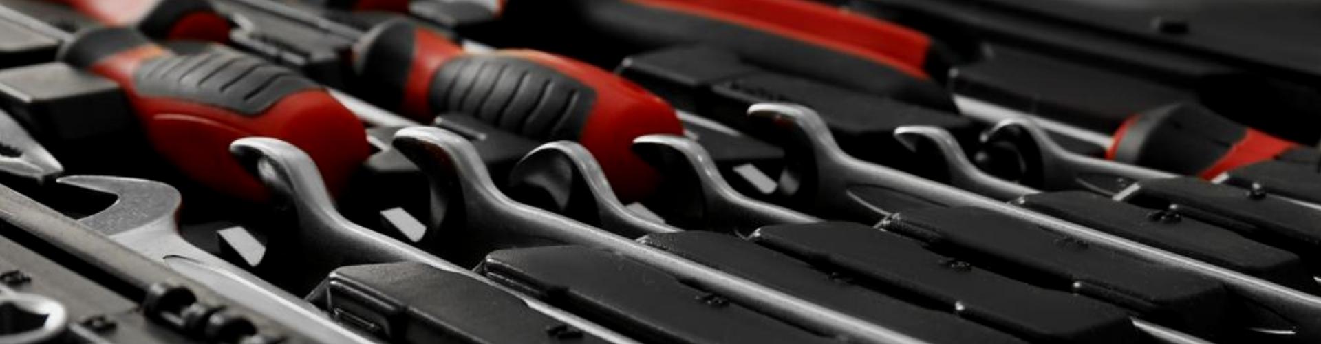 Автоінструменти та обладнання СТО